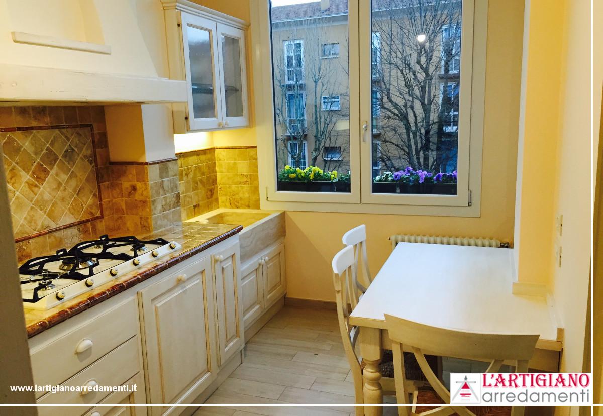 Cucina in muratura per appartamento in citt le cucine - Cucine per taverna ...